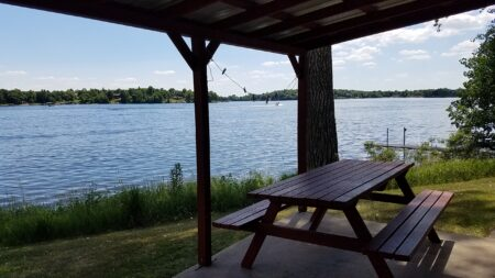vacationer's inn resort alexandria mn